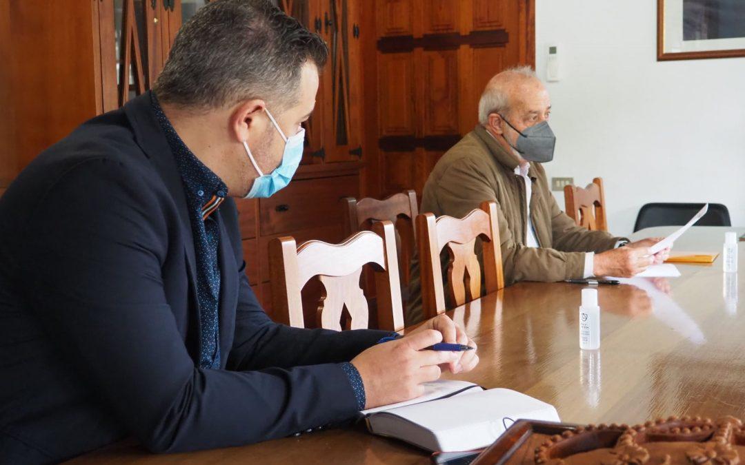 El Ayuntamiento de Tegueste aborda las principales preocupaciones del sector vitivinícola con el ICCA y la Cátedra de la ULL