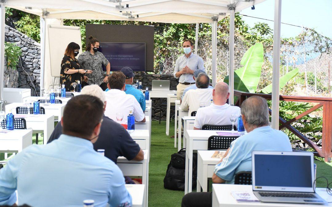 La Cátedra finaliza en La Gomera el plan de formación para profesionales y bodegas de las Islas Canarias